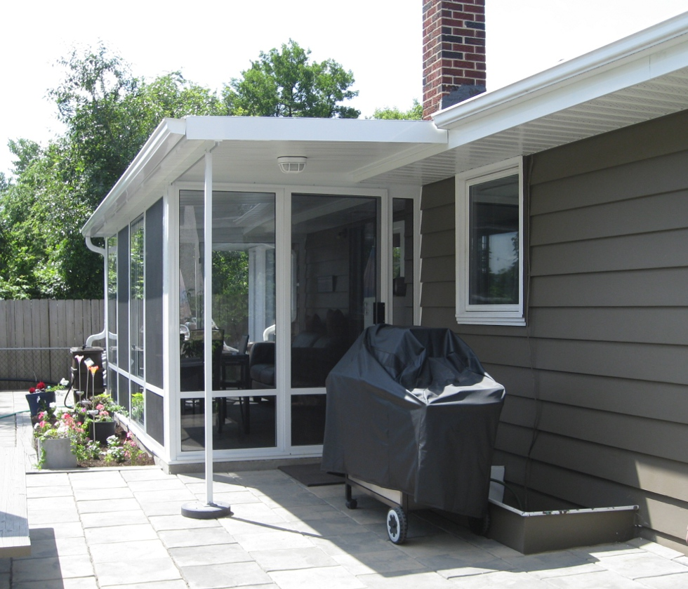 Studio flat style roof glastar sunrooms by sunshade for Sunroom roofs
